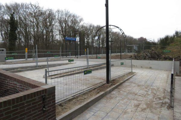 Station Hollandsche Rading - hellingbaan perron 2